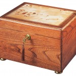 Oak Reflection Chest